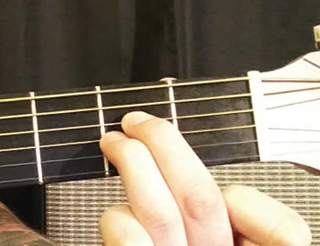 Example of an Easy Guitar Chord for Beginners.